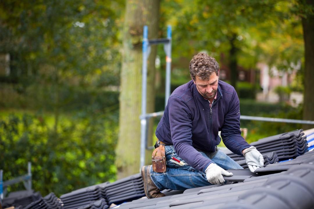 outils de réparation du toit